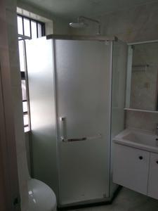 淋浴房贴防爆膜